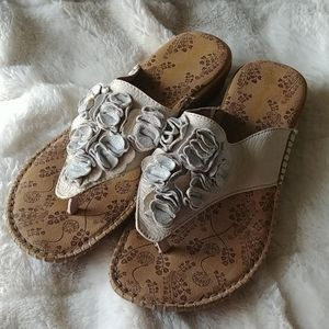 Hush Puppies leather sandals size 9M